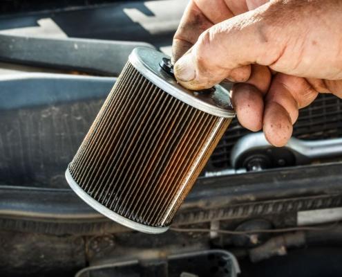 hydraulische filters en luchtfilters reinigen